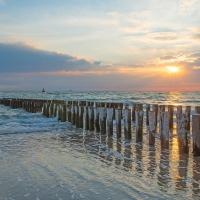 Klik om meer te weten over Yoga, Meditatie & Mindfulness Weekend aan het Strand 'Verstilling'